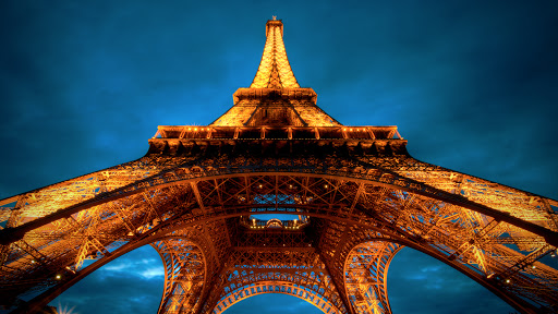 http://interfacelift.com/wallpaper/Dea6cf1f/02675_latoureiffel_1920x1080.jpg