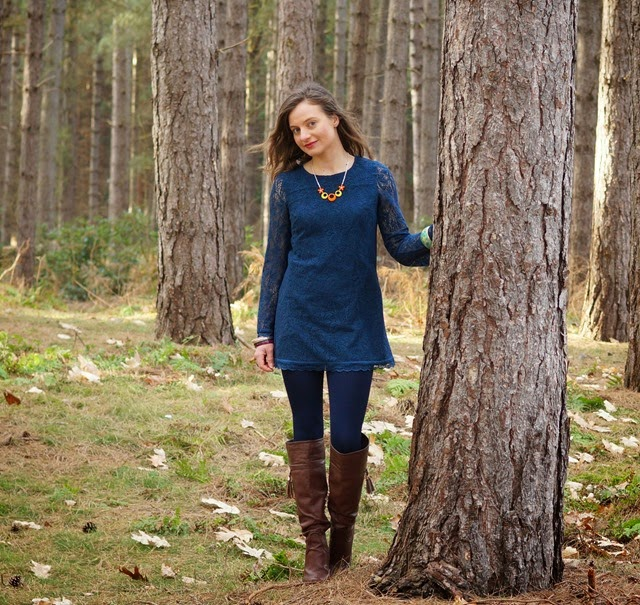 seventies styling fashion shood in forest