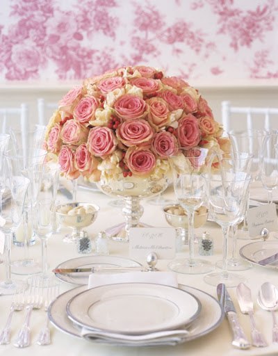 Ideas for pink roses. (Martha Stewart Weddings)
