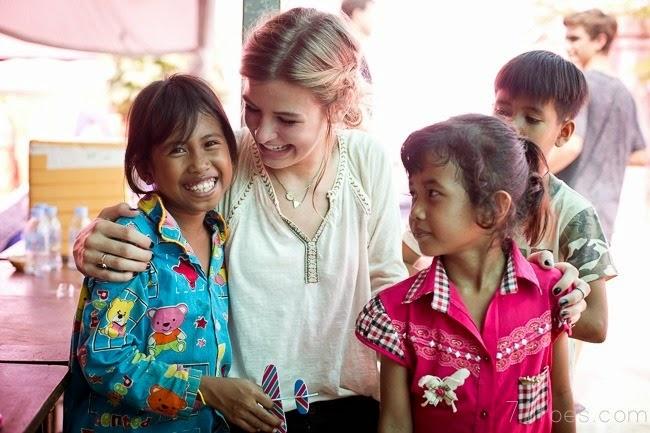 2014-09-28 Elle Cambodia 13991