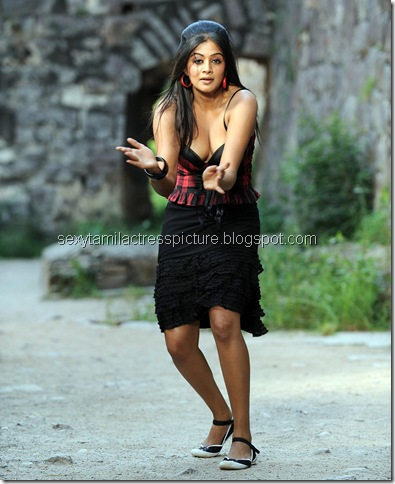 priyamani_too_hot_stills_11