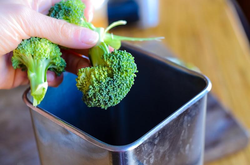 broccoli blueberry smoothie-5865