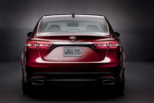 2013-Toyota-Avalon-04.jpg
