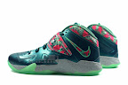 lebrons soldier7 power couple 12 web white The Showcase: Nike Zoom Soldier VII Power Couple (GitD)