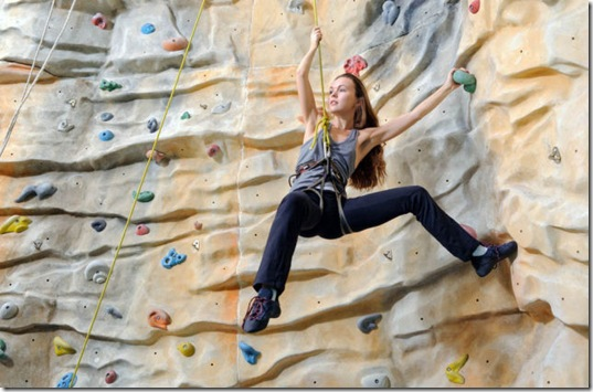 girls-rock-climbing-15