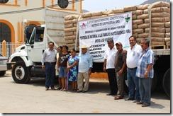 15-05-2013 entrega de material quetzalapa