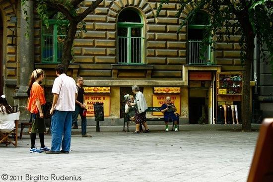 people_20111005_baross