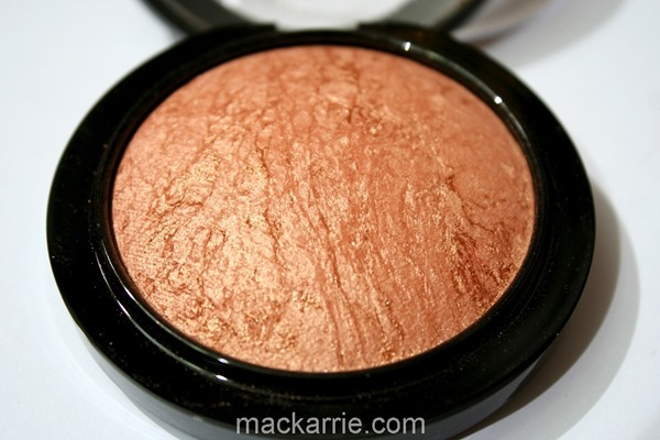 c_CheekyBronzeMineralizeSkinfinishMAC12