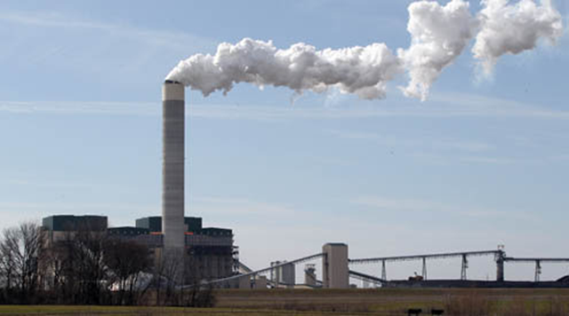 A coal-fired power plant in the U.S. TIM VIZER / Belleville News-Democrat / MCT