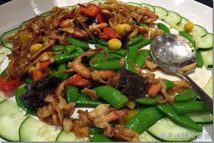 台北-維多麗亞酒店。京醬銀杏炒雙鮮,北極貝炒四季豆,四季豆炒得脆脆的好吃,還加了白果。