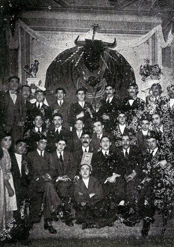 1914-03-02 (p. 19 SyS) El gallinero en Gijón 001