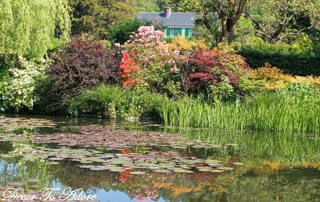 Monet's Garden 083-001