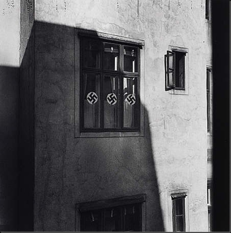 12 Swastikas in Shadow, Vienna 1932