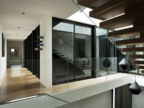 diseño-de-escaleras-madera-y-vidrio