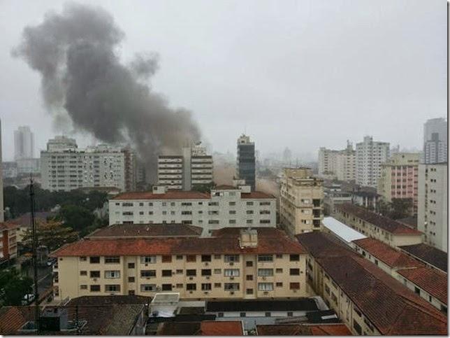 Morador registra acidente aéreo em Santos