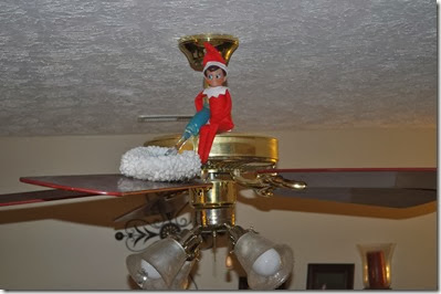 Elf on the Shelf - Cleaning Elf