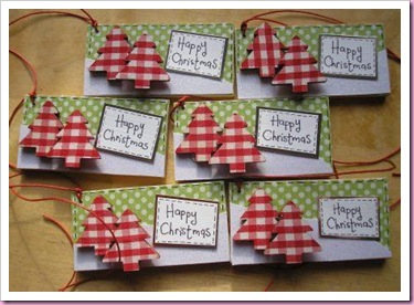 Gingham Wooden Christmas Tree Tags