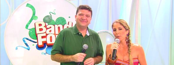 Betinho e Patrícia Maldonado na cobertura do Band Folia (Foto: Reprodução/Band)