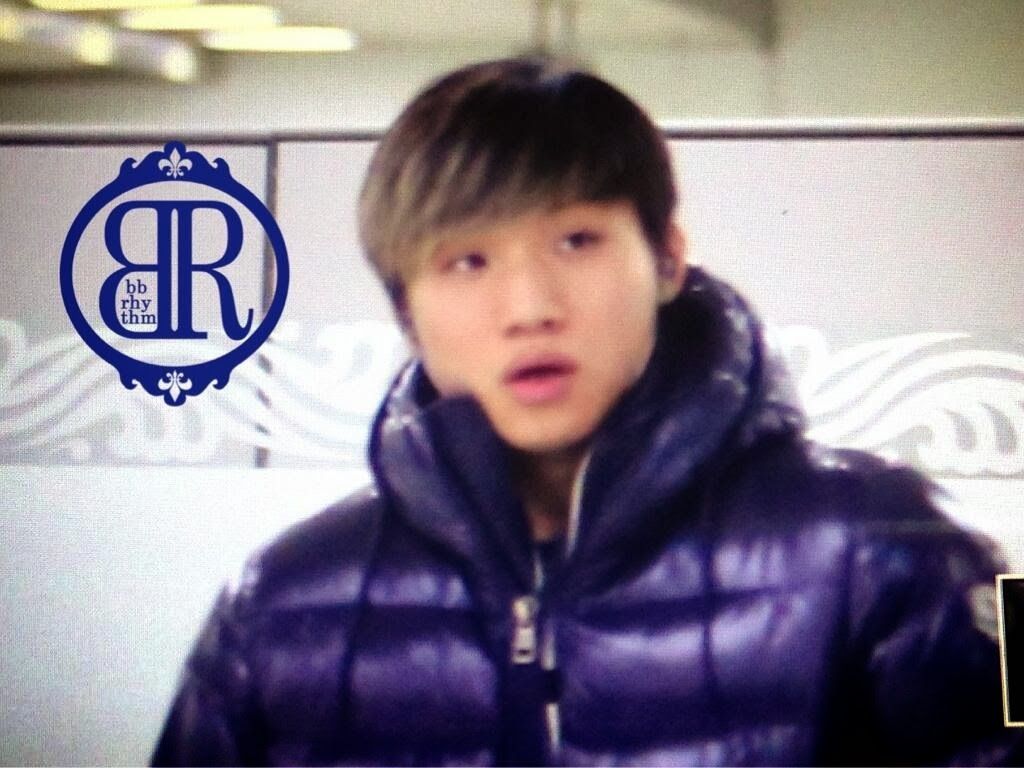 Big Bang - Gimpo Airport - 02dec2013 - Dae Sung - Fan - BB Rhythm - 01.jpg