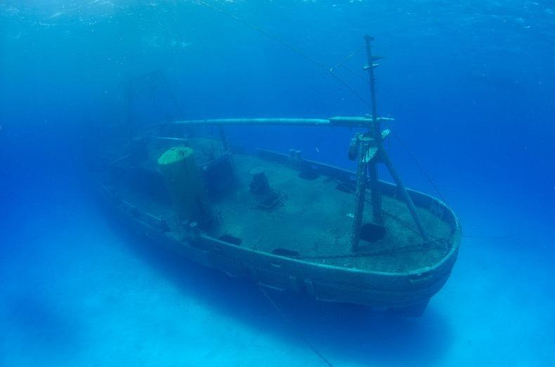 cayman-island-shipwreck-6