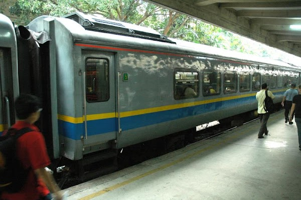 KTMB_Train64_Outside.JPG