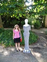 2014.08.03-070 Stéphanie dans le parc de Bruxelles
