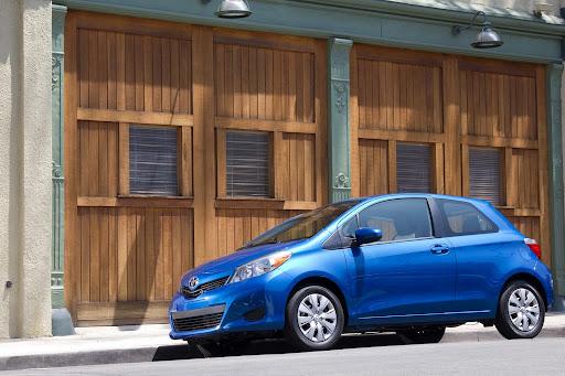 2012-Toyota-Yaris-11.jpg