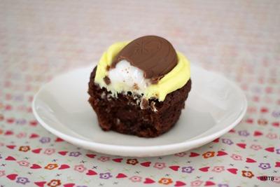 Gooey Creme Egg Cupcake