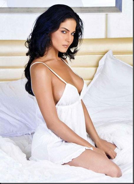 Veena-Malik-FHM-Magazine-Photo-Shoot---Hot-Photos-1773
