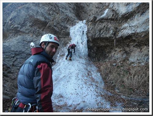 Cascada de Hielo de La Sarra 250m WI4  85º (Valle de Pineta, Pirineos) (Pep) 3317