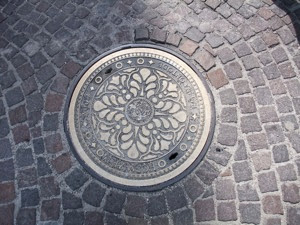 Manhole 002
