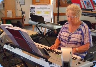 Barbara Powell playing her Tyros 3 keyboard. Photo courtesy of Dennis Lyons