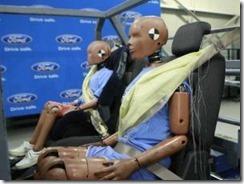Sabuk pengaman untuk penumpang belakang