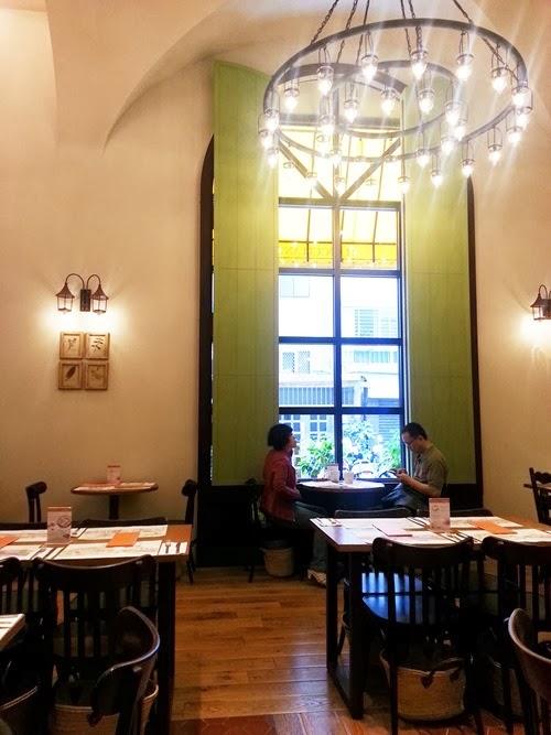 Weis life - L'OCCITANE Café - look 04