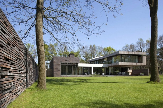 house at the edge of a forest by hilberink bosch architects 6