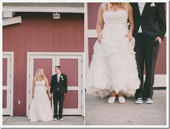 strawberry-farms-wedding-photos-blogger-boquet-white-bride-groom-shoes-allstar-converse