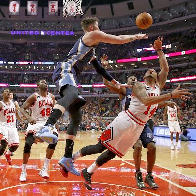 nike air max ambassador 6 pe mike miller grizzlies 2 01 Mike Millers Nike Ambassador 6 Memphis Grizzlies PE