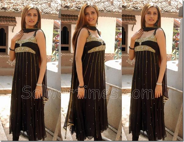 Saiba_Designer_Salwar_Kameez
