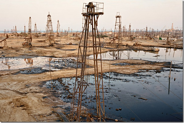 edward burtynsky  the end of oil BAKU SOCAR oil fields #1a - 2006
