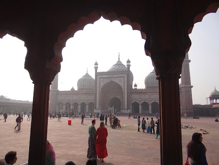 12. Friday Mosque - Delhi.JPG