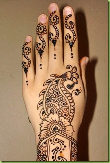 short-hand-mehndi-peackock-design