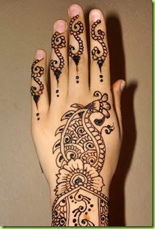 short-hand-mehndi-peackock-design