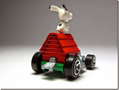 Snoopy Red Baron Hot Wheels 2014 by HW City 04 (Image hobbyminis.blogpost.com)