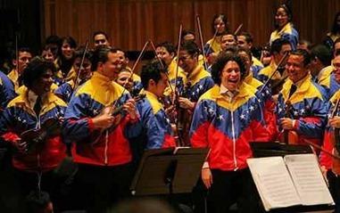 El_Sistema_orchestra_1385155c