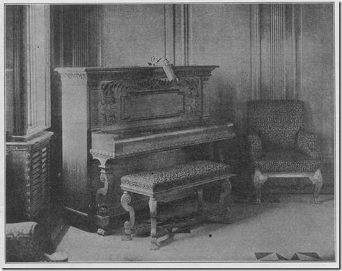 Piano no deck dos botes do Olympic