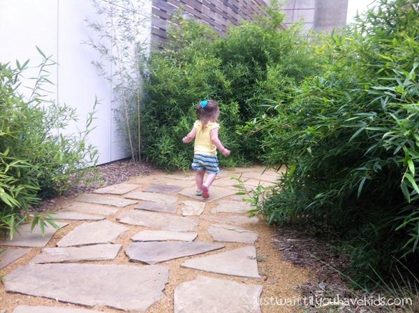 Tens Myriad Gardens