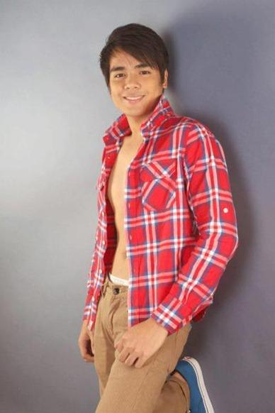 John Edric Ulang, 21 ng Binangonan, Rizal 3