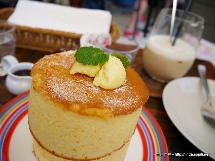 杏桃鬆餅屋-蘇芙蕾厚鬆餅,配上奶油
