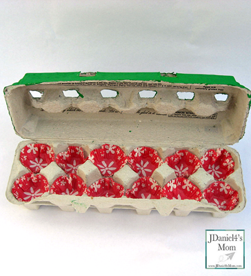 Egg-Carton-Holiday-Gift-Box-Inside