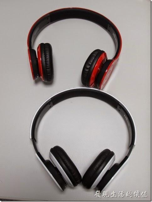 這就是我跟兒子買的兩支Hawk-Z750耳罩式藍芽耳機。